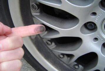 bmw brake-dust
