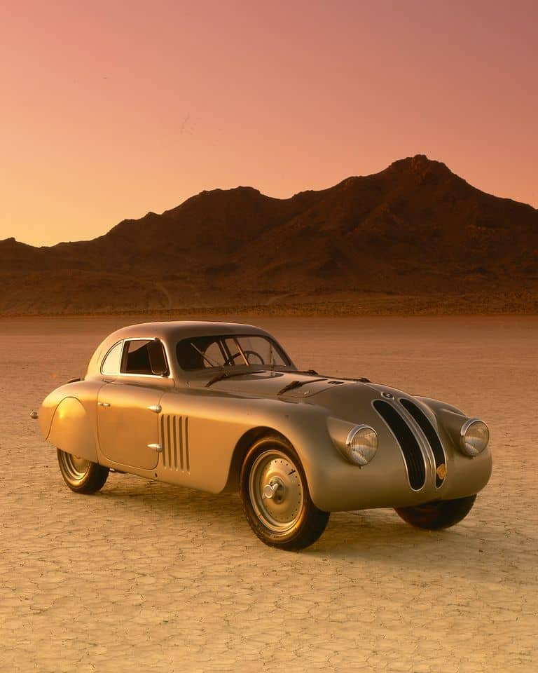 The BMW 328 Touring Coupé is the solution you're looking for.